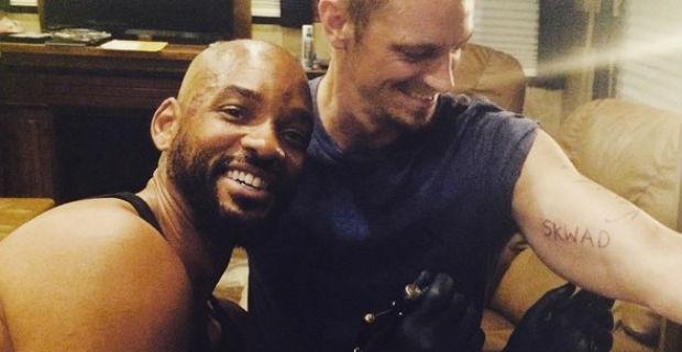 Звезды в соцсетях: сумка-шапка, спасенный бельчата и Уилл Смит татуировщик